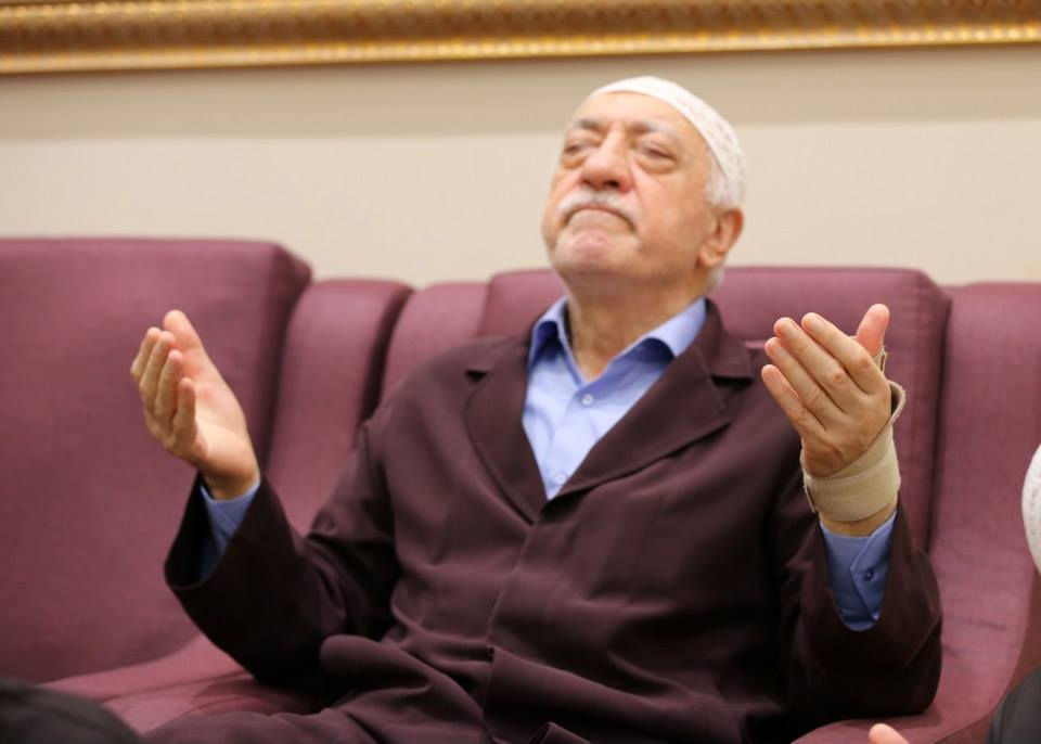 fetullagulen.jpg