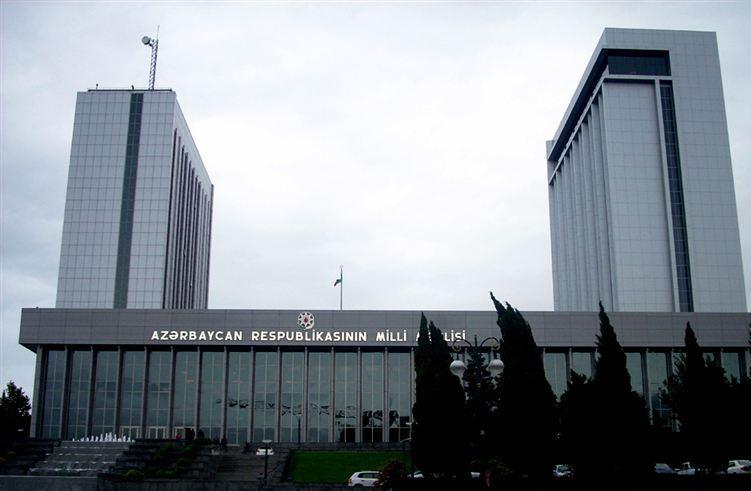 parlament-5.jpg