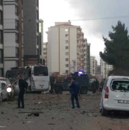 Diyarbəkir şəhərində terror aktı