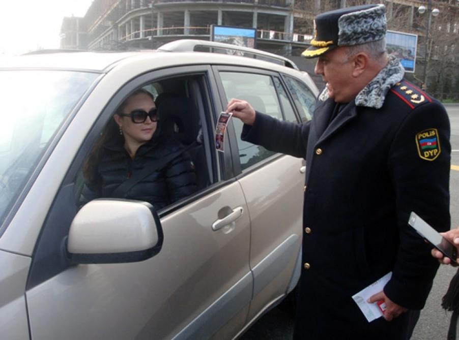 yol-polisi-qadin