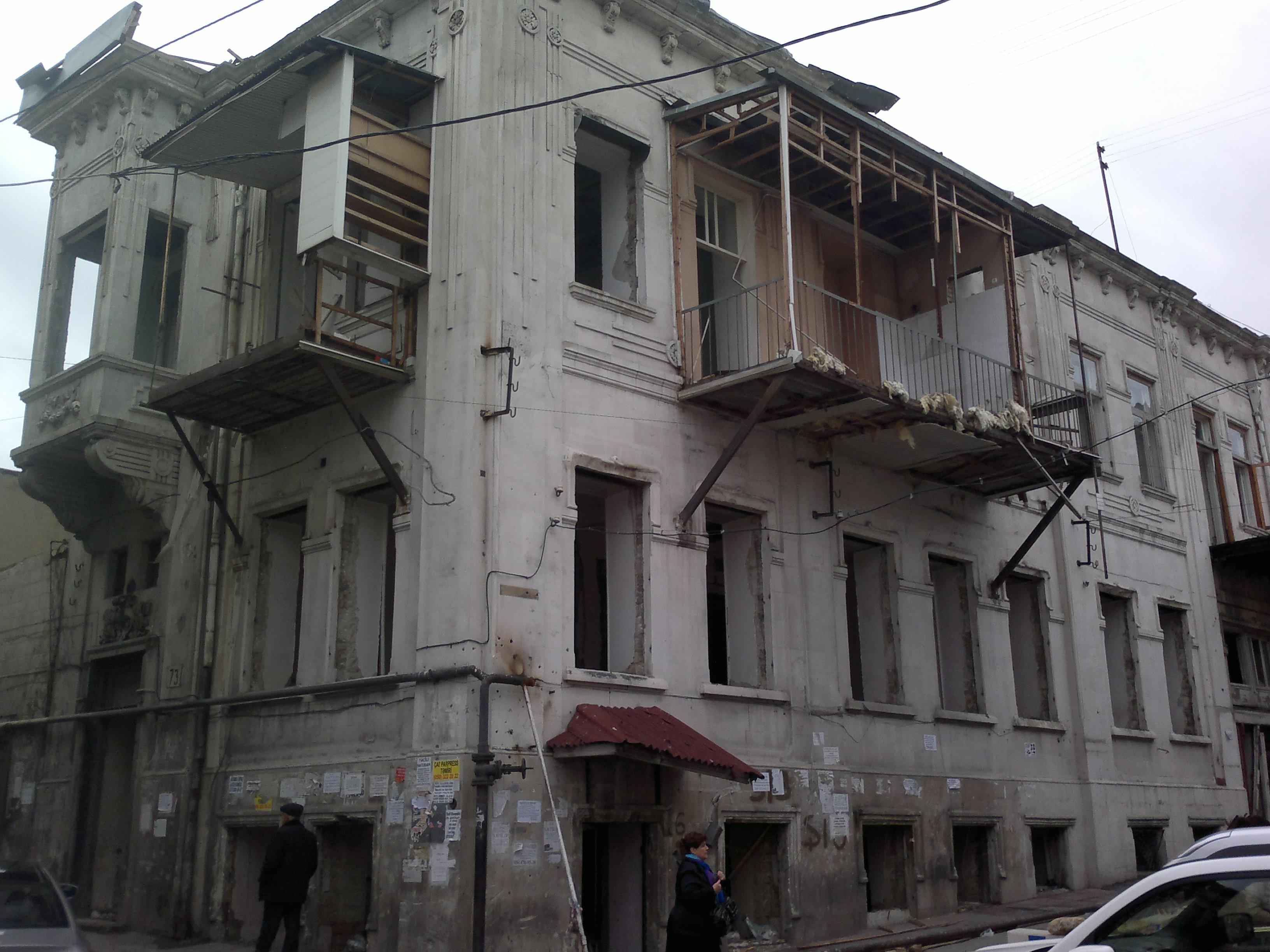 tarixi-abide-yasamal-1