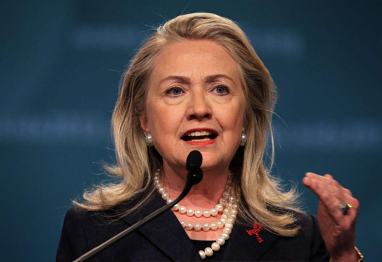 """Klinton Obamadan məğlubiyyətə görə üzr istəyib: """"Cənab prezident, bağışlayın"""""""