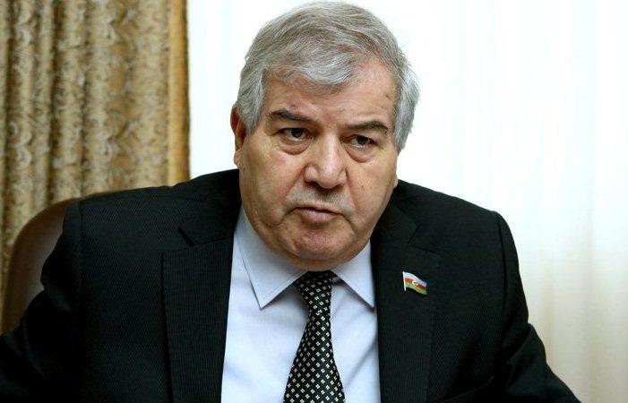 YAP-çı deputatların qovğasına Sabir Rüstəmxanlı da qoşuldu: