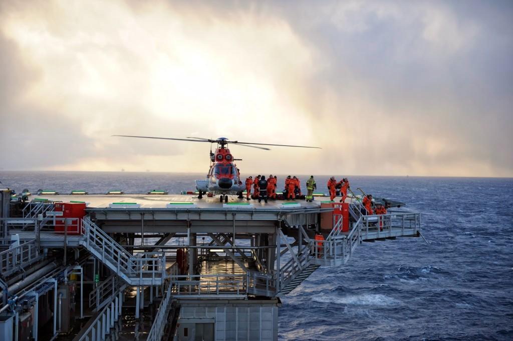 0038743-helikopter-lander-pa-snorre-a-photo-harald-pettersen-statoil