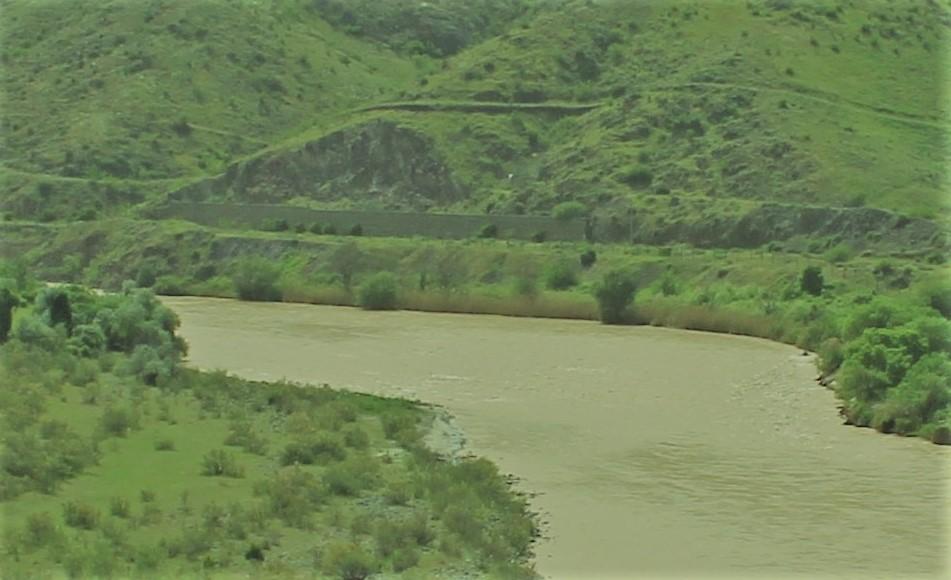 araz-qardaq