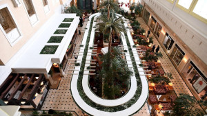 A view of the lobby of Astana's Rixos President Hotel, the place that will host Syria peace talks, in Astana, on January 22, 2017.  / AFP PHOTO / Kirill KUDRYAVTSEV