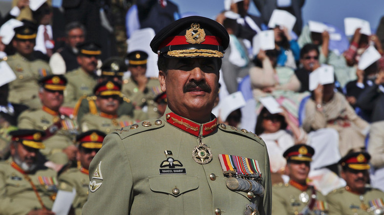 Pakistan's newly appointed army chief General Raheel Sharif attends the change of command ceremony at army headquarters in Rawalpindi November 29, 2013. Pakistan named Sharif, a career infantry officer considered a moderate as army chief, on Wednesday as the country fights a Taliban insurgency and seeks accord with the United States on how to stabilise neighbouring Afghanistan. Pakistan Prime Minister Nawaz Sharif announced that Sharif, brother of a war hero, would take charge of the world's sixth-largest army, with a formal handover from General Ashfaq Kayani on Friday.  REUTERS/Mian Khursheed (PAKISTAN - Tags: POLITICS MILITARY) - RTX15XB1
