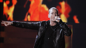 """Eminem performs """"Love The Way You Lie"""" at the 53rd annual Grammy Awards in Los Angeles, California, February 13, 2011. REUTERS/Lucy Nicholson (UNITED STATES - Tags: ENTERTAINMENT) (GRAMMYS-SHOW) - RTR2IKHT"""