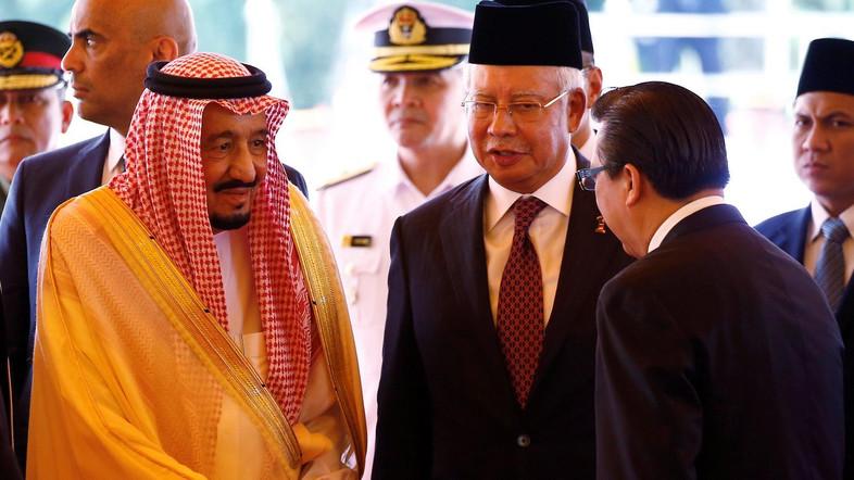 Saudi Arabia's King Salman meets with ministers next to Malaysia's Prime Minister Najib Razak at the Parliament House in Kuala Lumpur, Malaysia February 26, 2017. REUTERS/Edgar Su