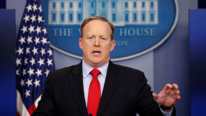 White House spokesman Sean Spicer holds a press briefing at the White House in Washington, U.S., February 3, 2017. REUTERS/Kevin Lamarque - RTX2ZJ8E