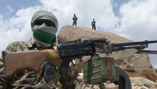 """""""Taliban"""" silahlıları 10 polisi öldürdü -"""