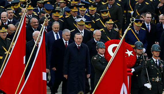 Turkey's President Tayyip Erdogan attends a Republic Day ceremony at Anitkabir, the mausoleum of modern Turkey's founder Ataturk, to mark the republic's anniversary in Ankara, Turkey, October 29, 2016. REUTERS/Umit Bektas     TPX IMAGES OF THE DAY      - RTX2QYCB