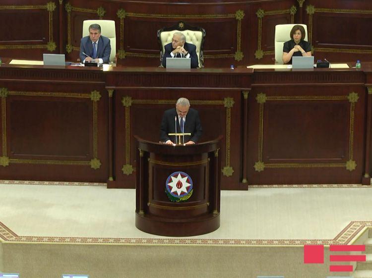 artur-rasizade-parlament