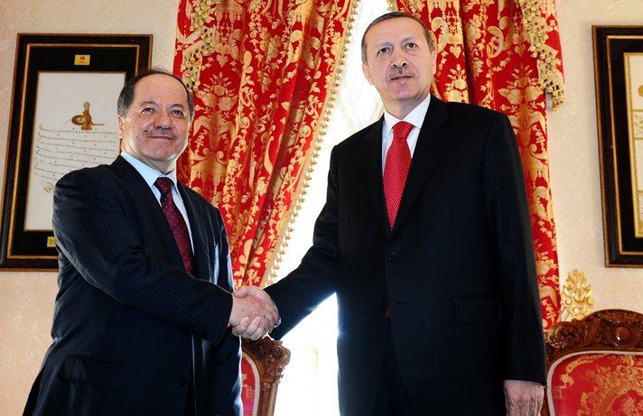epa03188343 Turkish Prime Minister Recep Tayyip Erdogan (R) and Kurdistan Region President Massoud Barzani shake hands before their meeting in Istanbul, Turkey 19 April 2012. Barzani is in Turkey for a two day visit.  EPA/POOL
