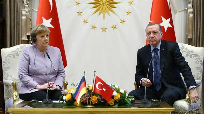 erdogan-merkel-aa
