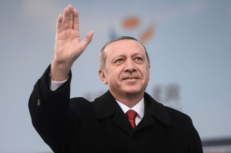 Ərdoğan yenidən AKP-nin sədri seçildi