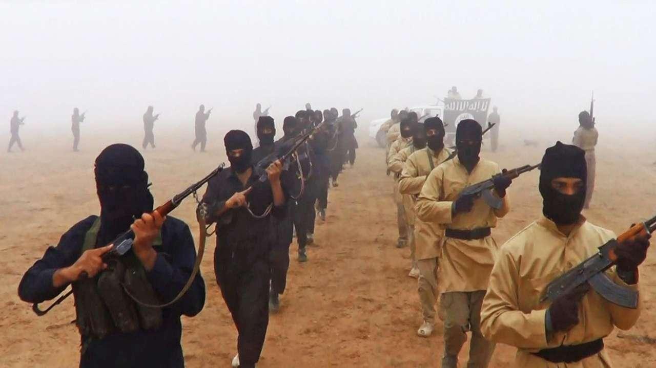 Terrorçular İraqın kəndinə hücum etdi: