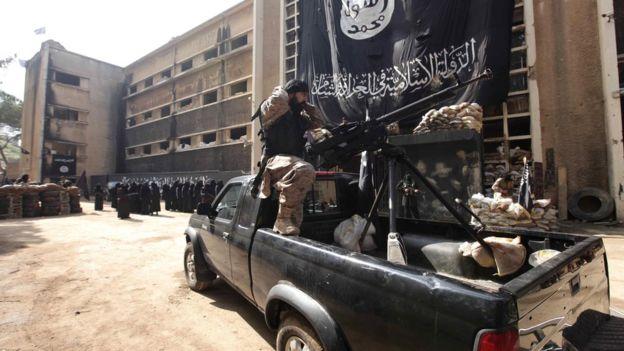 İŞİD terrorçuları Suriya ordusunun mövqelərinə hücum ediblər –Hökumət ordusu çox sayda terrorçunu məhv edib