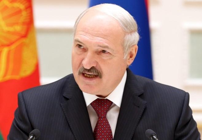 Lukaşenko vətəndaşları arxayınlaşmamağa çağırıb