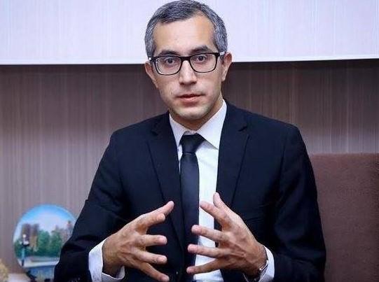 Məsələ ilə bağlı təhsil eksperti Kamran Əsədov ile ilgili görsel sonucu