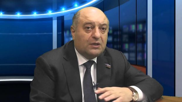 """<p><strong>Deputat Musa Quliyev: <span style=""""color:#c0392b"""">&quot;Siyavuş Novruzovun əlində fakt varsa, h&uuml;quq-m&uuml;hafizə orqanlarına təqdim etsin&quot;</span></strong></p>"""