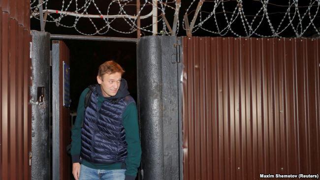 Aleksey Navalnı həbsdən çıxdı –