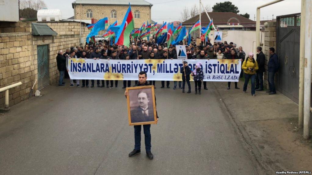 Müsavat partiyası Rəsulzadənin ile ilgili görsel sonucu