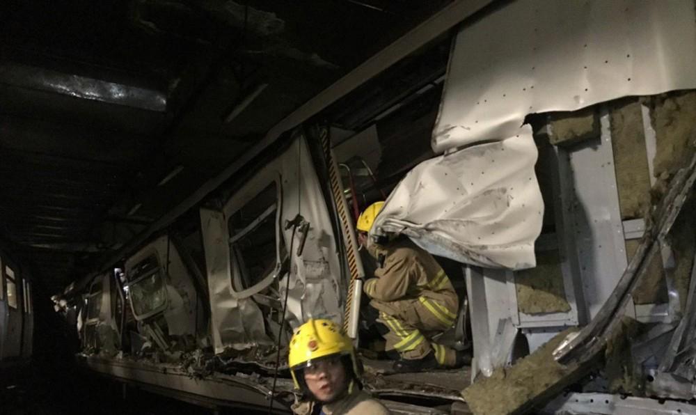 Honkonq metrosunda qatarlar toqquşub –FOTO