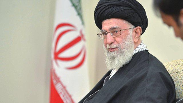 """<p><strong>İran: <span style=""""color:#e74c3c"""">Xamneyini hədəfə kimlər &ccedil;ıxarır? -Şərh</span></strong></p>"""