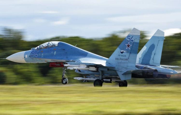 """Rus """"Su-27"""" qırıcıları ABŞ-ın kəşfiyyat təyyarələrini yaxaladı –Qara dəniz üzərində"""