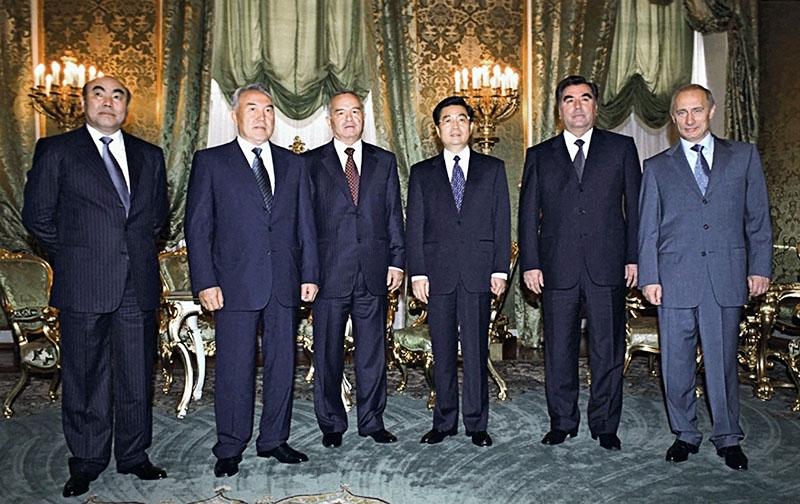 Qazaxıstan analitiki Türküstanda hakimiyyətin ötürülmə mexanizmlərini incələyir: