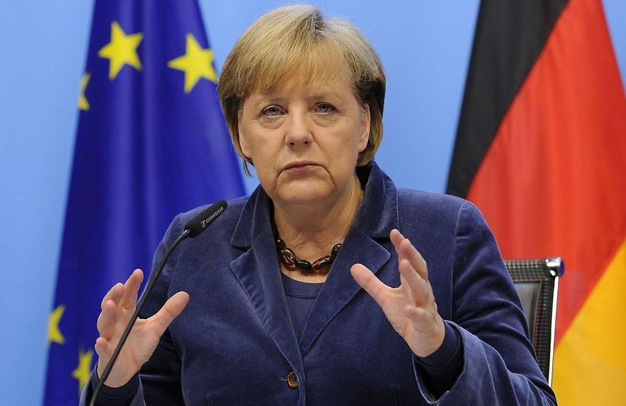Angela Merkel yeni silahlardan danışdı-