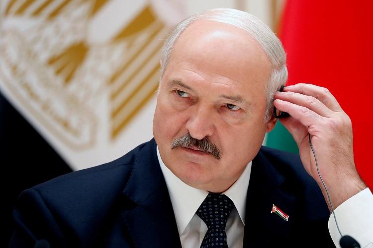 Lukaşenko seçkiyə xarici müdaxilədən danışdı:
