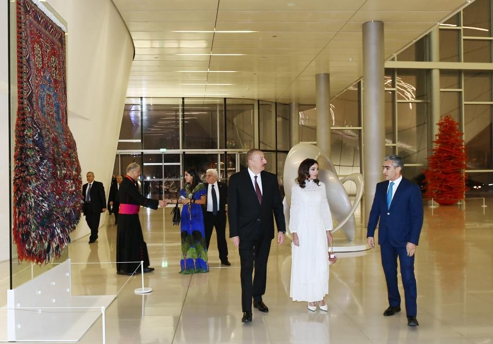 Prezident dünyanın dini liderlərinin şərəfinə rəsmi ziyafət verdi - FOTOLAR