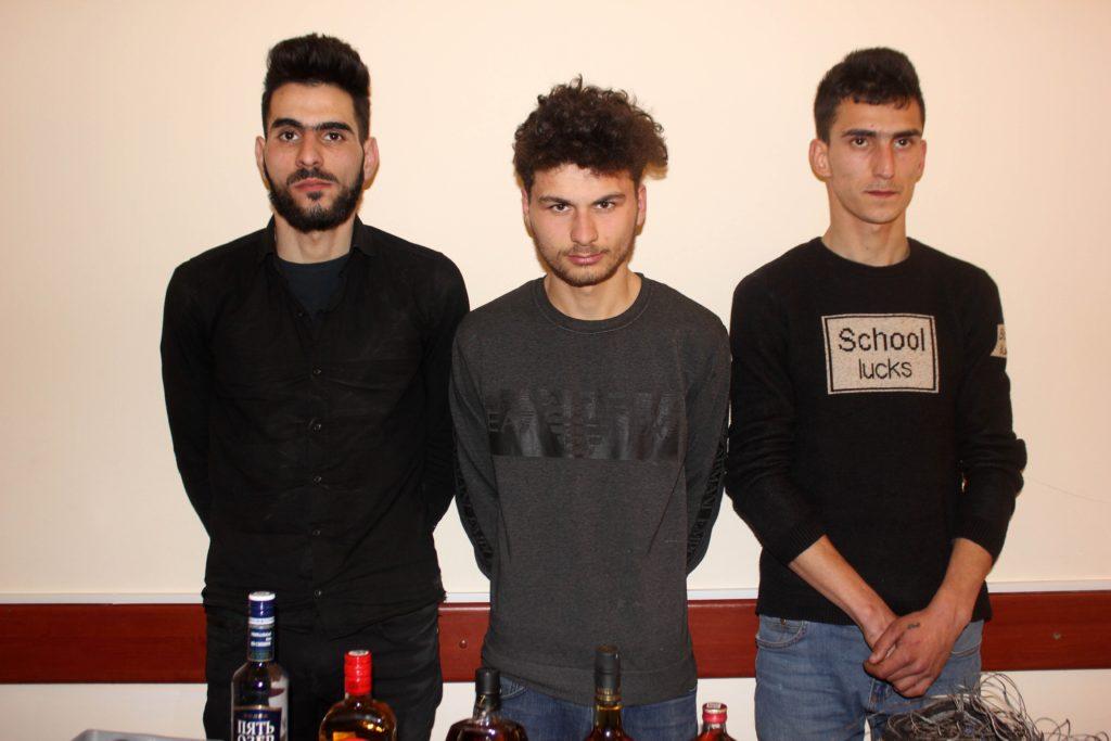 Qubada polis əməliyyatı: oğurluq edən 3 nəfərlik dəstə saxlanıldı + FOTO