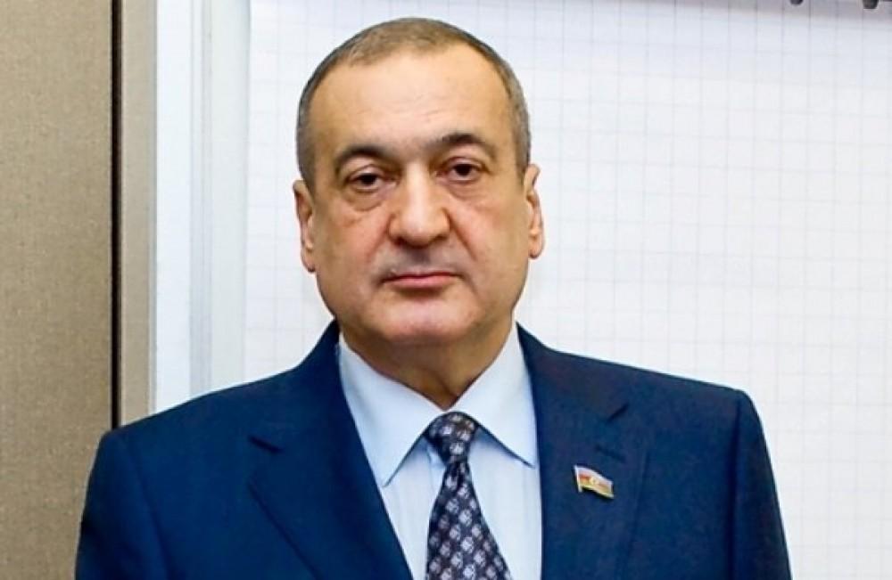 Deputat Eldar Quliyev Ağsaqqallar Şurasının sədri seçilib -