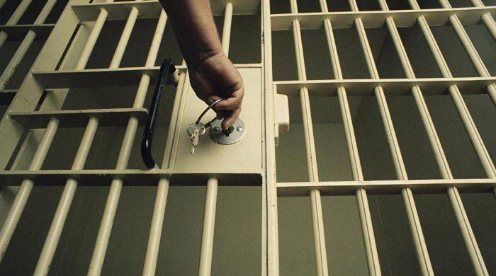 Polis Bakıda narkotik satan dəstəni çökdürdü –