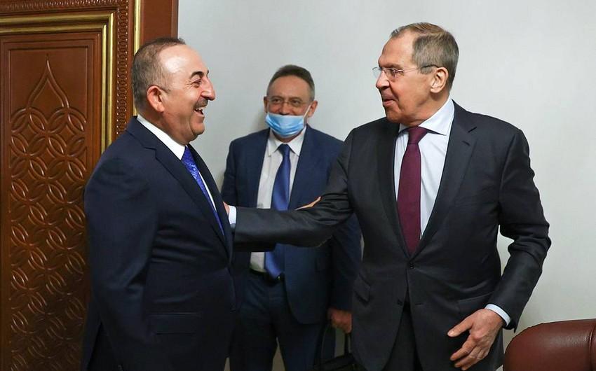 Çavuşoğlu Qətərdə Lavrovla görüşdü –